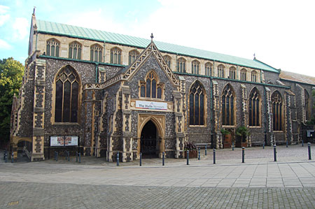 St Andrews Hall Norwich is directly opposite Princes Street